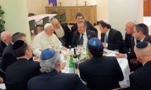 Papa Francisco anima a musulmanes y judíos al ecumenismo